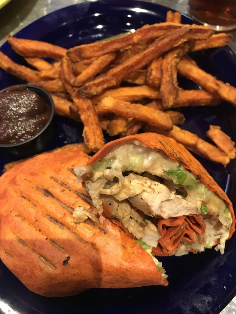 Tailgatez Sports Grill: 1640 N Center Ave, Somerset, PA