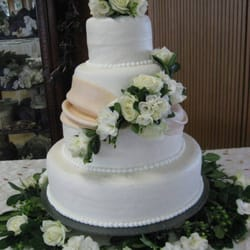 Photo Of Magicandle Cakery Bismarck Nd United States 14 Photos Bakeries Wedding Cake