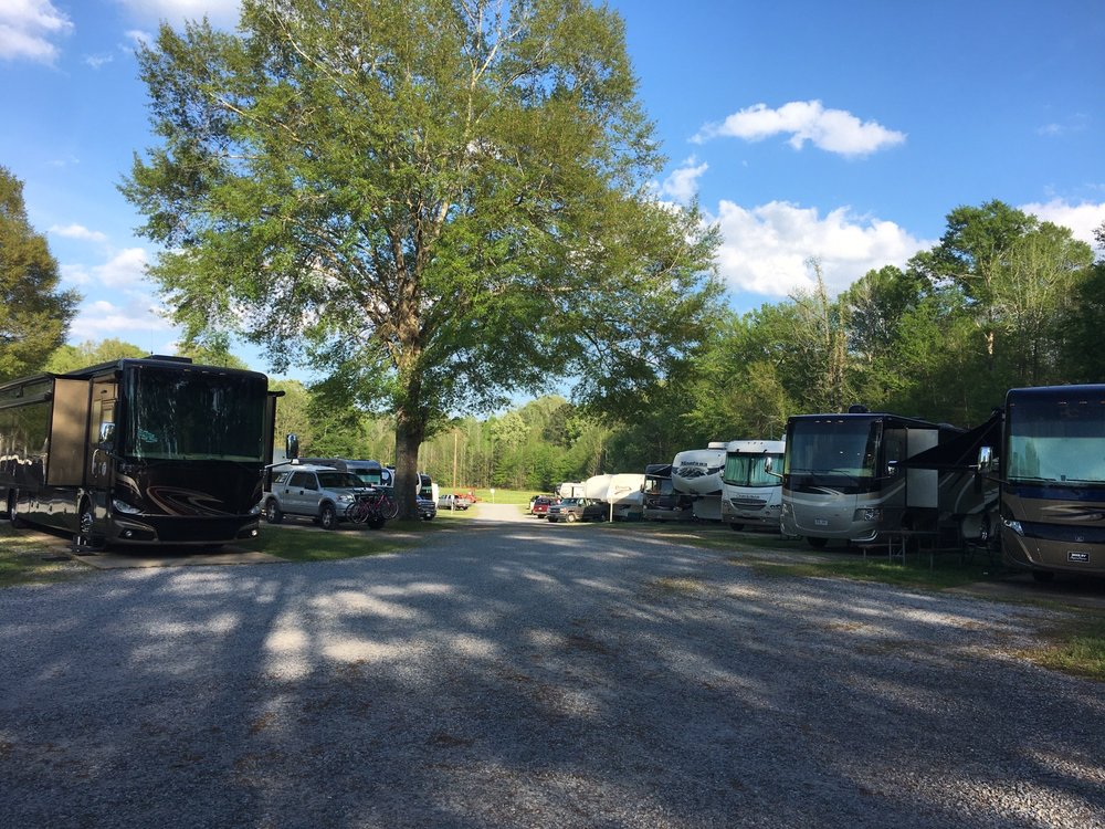 Benchmark Coach & Rv Park: 6420 Dale Dr, Marion, MS