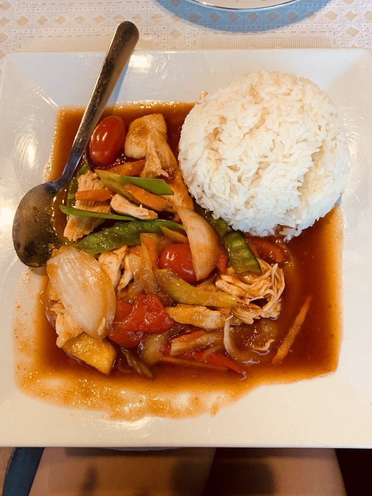 Krua Thai: 7603 W 21st St, Wichita, KS