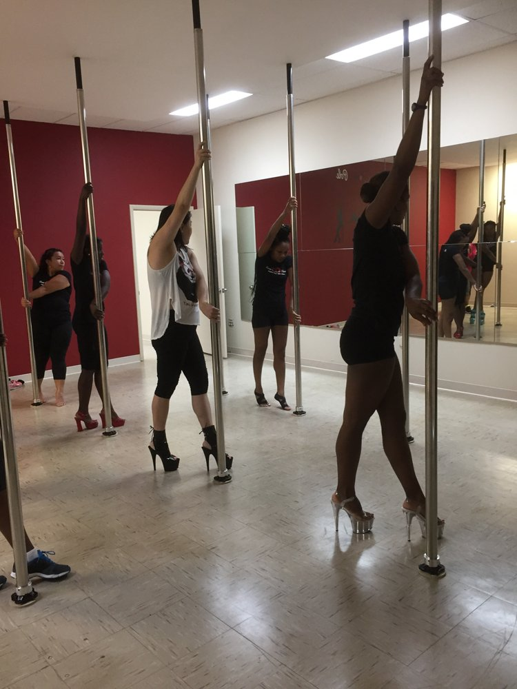 Divas and Dolls Fitness