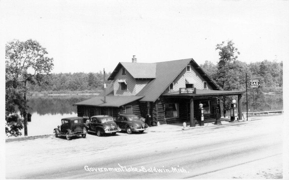 Government Lake Lodge: 4953 N M 37, Baldwin, MI