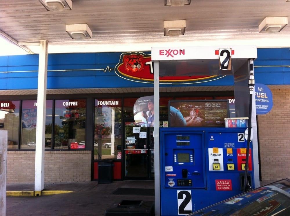 Exxon Tiger Mart: I-40 Highway 64 W, Clarksville, AR
