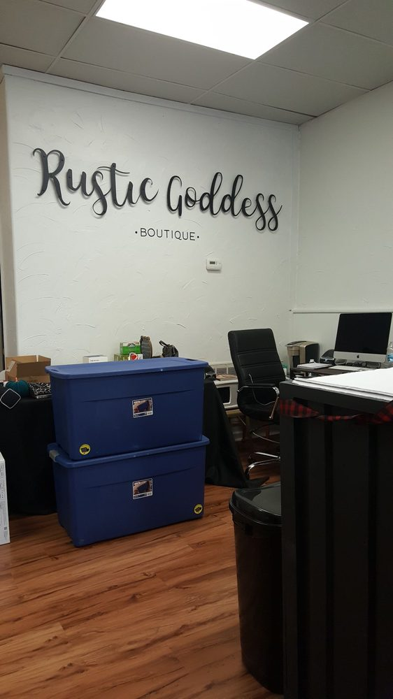 Rustic Goddess Boutique: 300 State St, Guthrie Center, IA