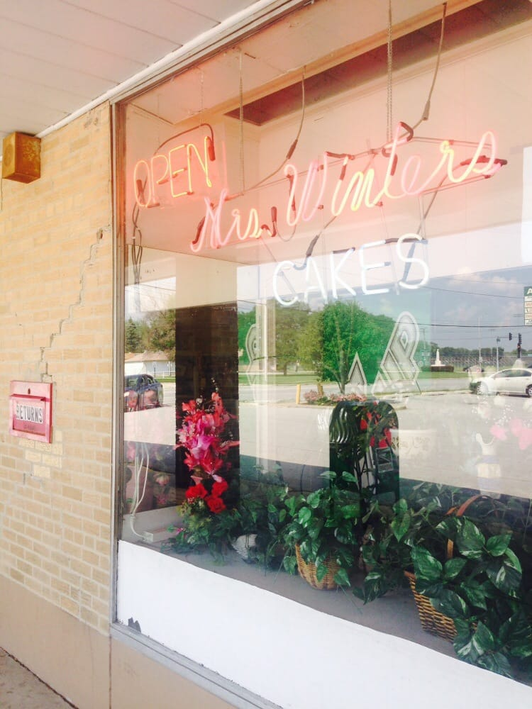 Winters Cakes Mrs: 15403 Cottage Grove Ave, Dolton, IL