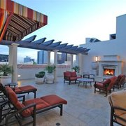 LuXe Villas - 17 Photos - Apartments - 11640 Mayfield Ave ...