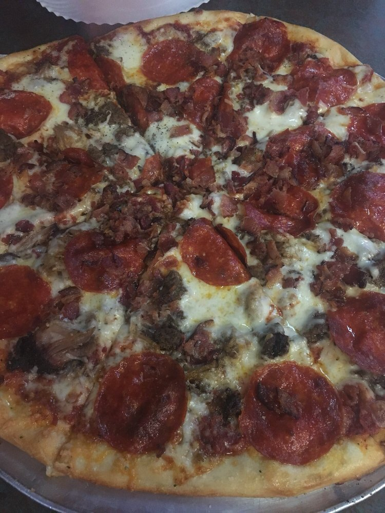 Jiggy Rays Downtown Pizzeria: 610 E Elk Ave, Elizabethton, TN