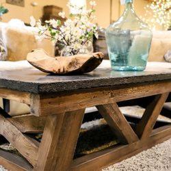 Photo De The Find Reno Nv États Unis Chunky Coffee Tables