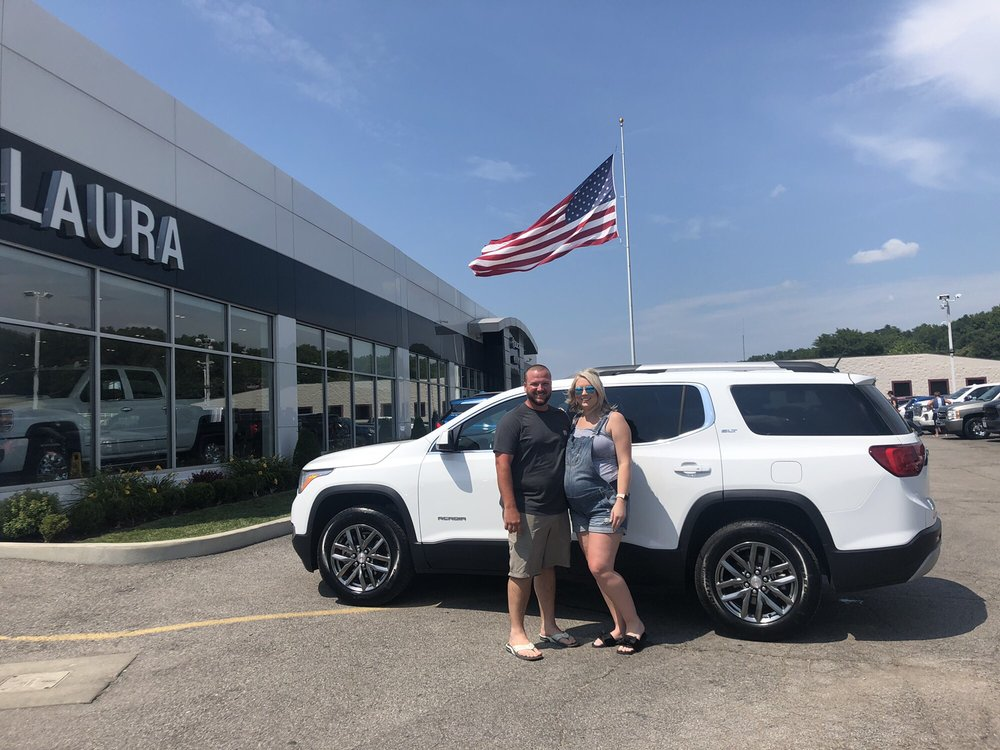 Laura Buick GMC: 903 N Bluff Rd, Collinsville, IL