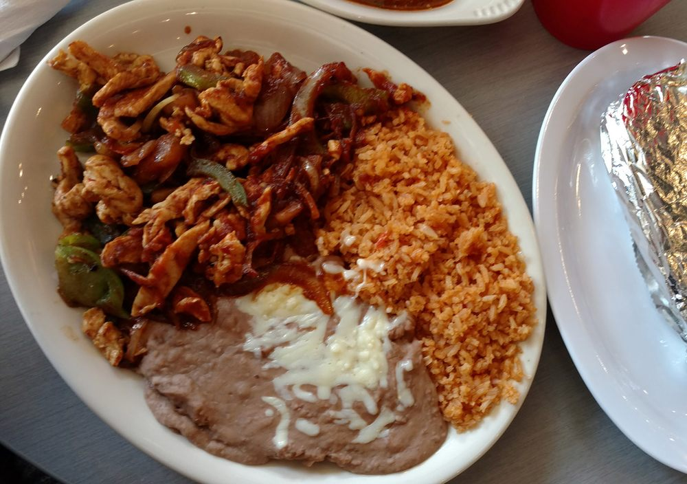 El Agave Mexican Restaurant: 1415 16th St, Central City, NE
