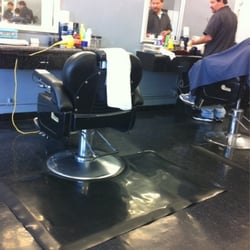Buena vista barber shop beauty salon parturit 2422 e for 4th street salon