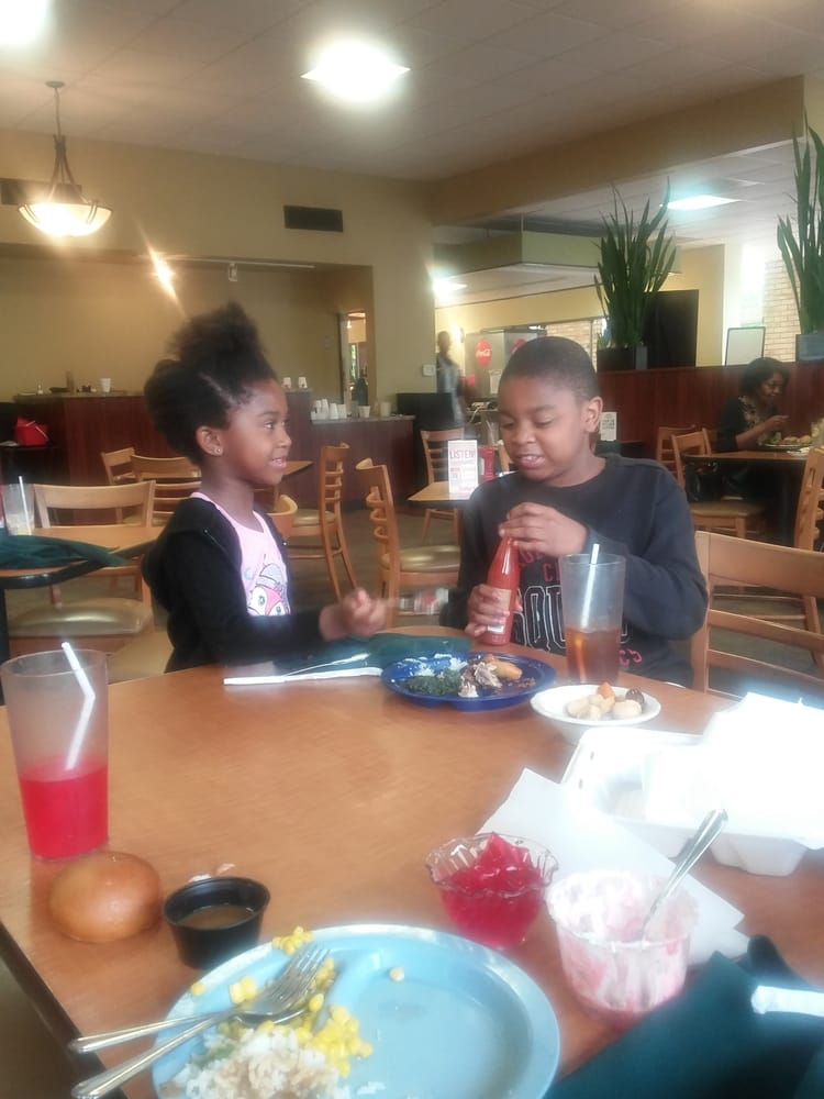 Kids Eat Free Tyler, TX Restuarants where kids eat free in Tyler, TX (Located in Smith county Texas) Any Day   Sunday   Monday   Tuesday   Wednesday   Thursday   Friday   Saturday 1.
