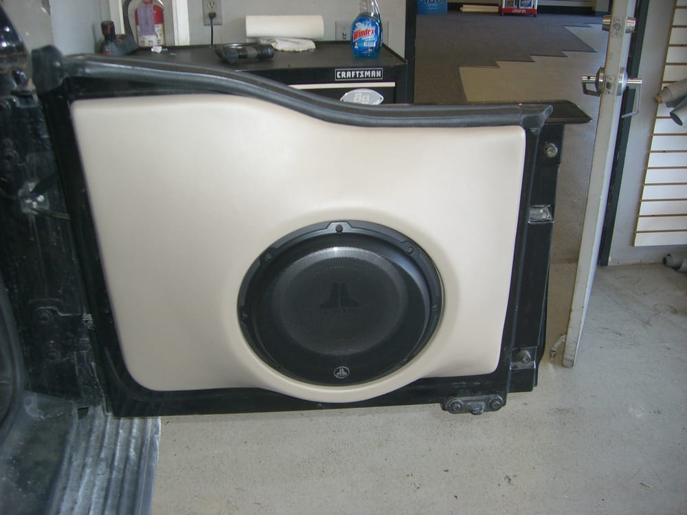 Ford Excursion Custom Jl Audio Sub Enclosure In The Rear Door Yelp