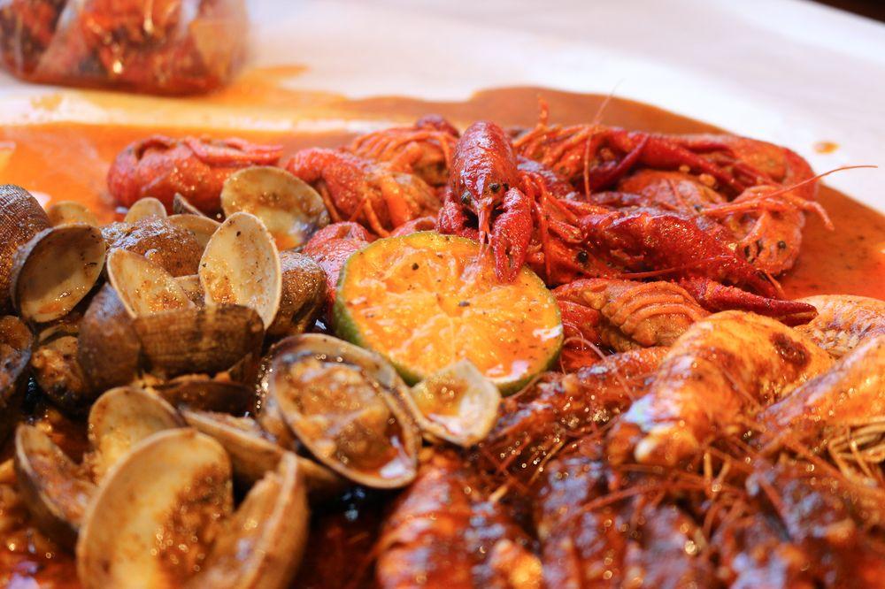 Bag O' Crab: 1401 N Davis Rd, Salinas, CA
