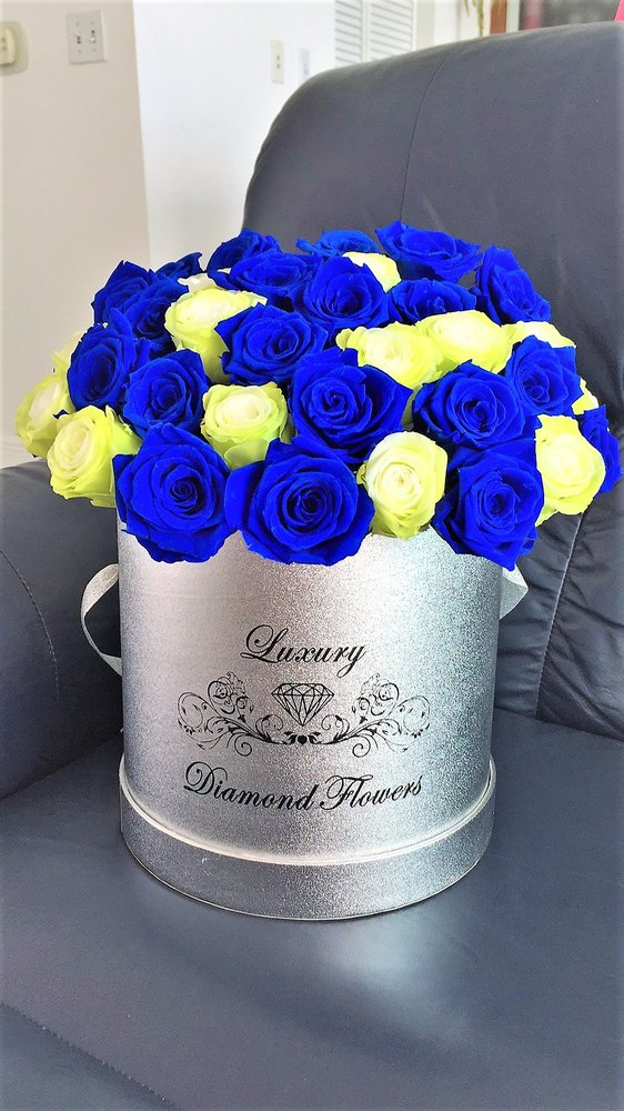 Photo Of Luxury Diamond Flowers Miami Fl United States Premium