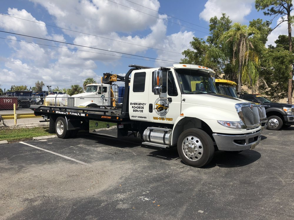 Towing business in San Carlos Park, FL