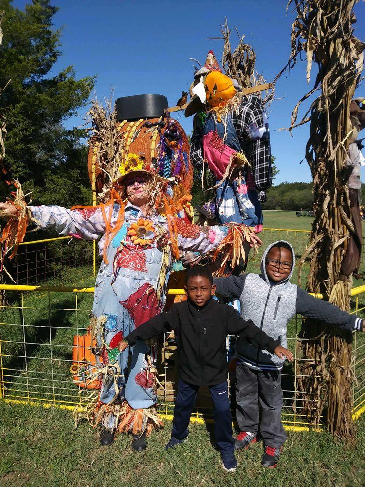 Green Meadows Farm: 73-50 Little Neck Pkwy, Glen Oaks, NY