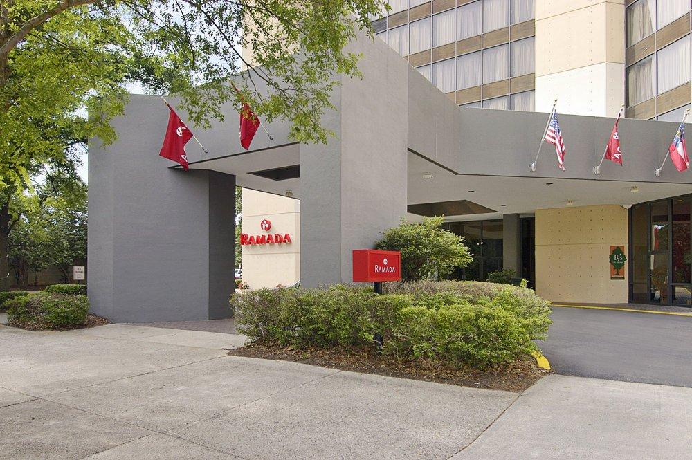 Ramada Hotel & Conf Center by Wyndham Augusta Downtown: 640 Broad St, Augusta, GA