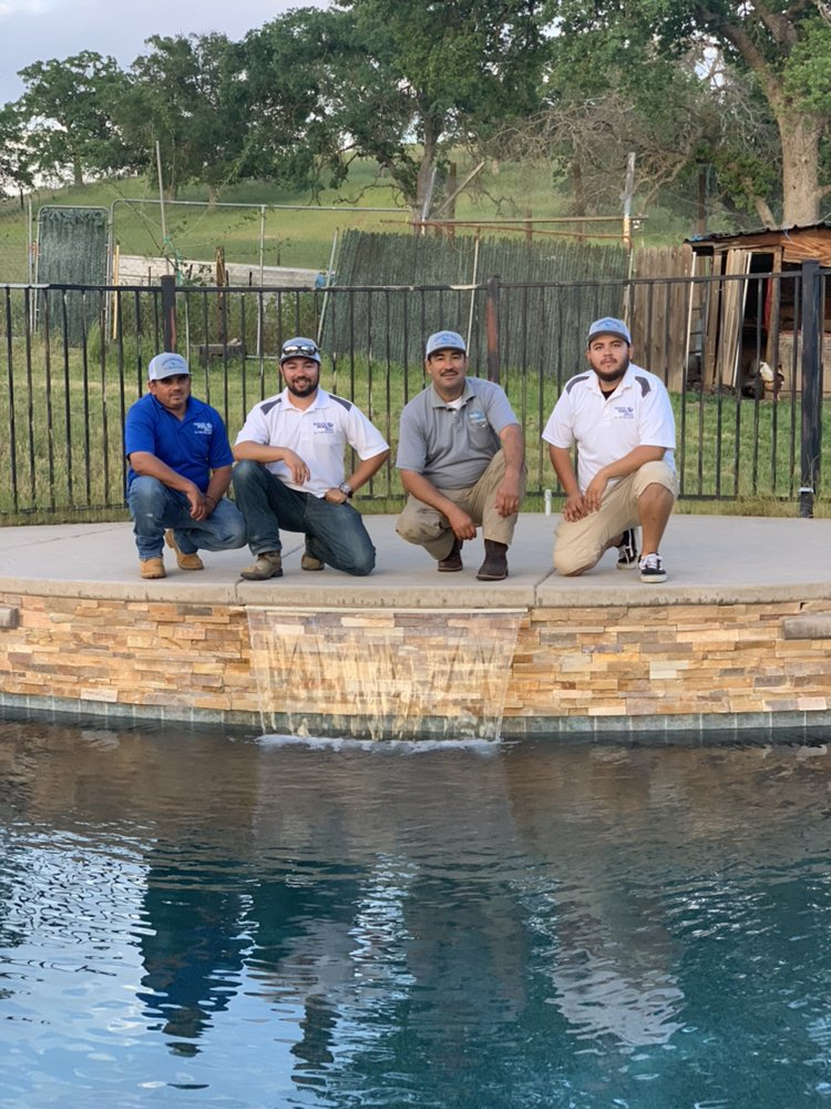 Rodriguez Pool Service: Clovis, CA