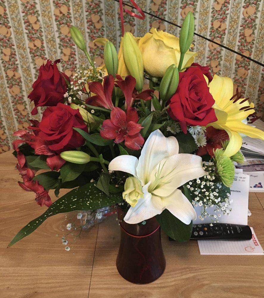 Avenue Florist: 409 Round Table Dr, Fort Washington, MD