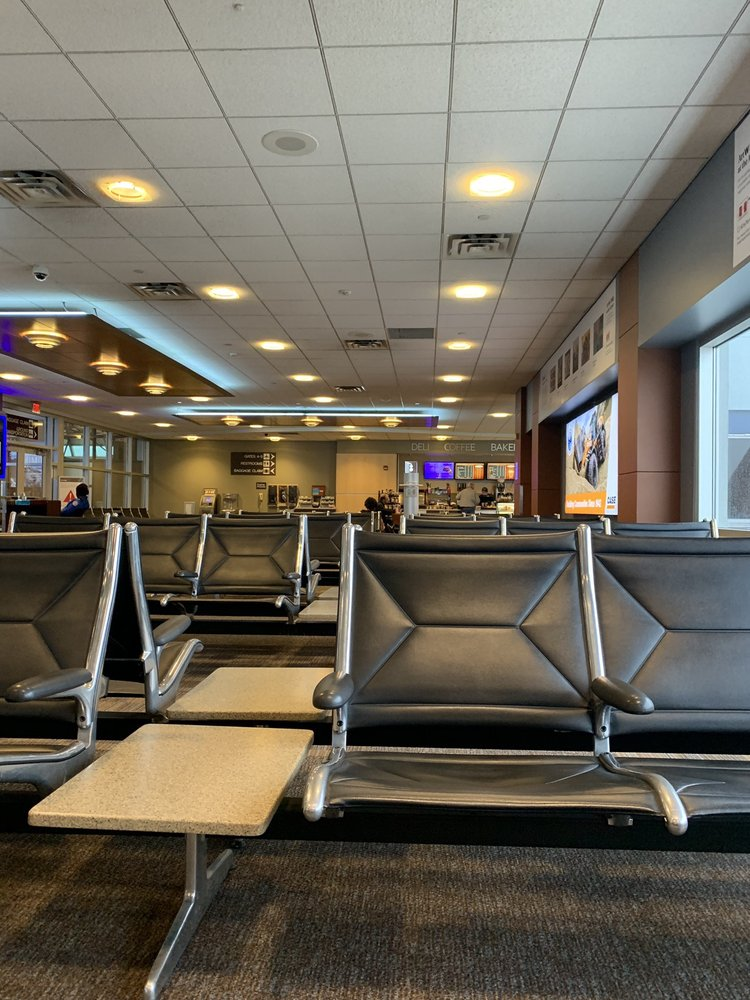 Hector International Airport: 2801 32nd Ave NW, Fargo, ND