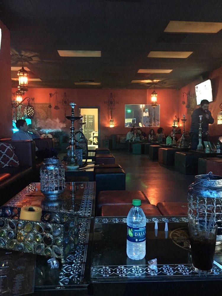 Cest La Vie Lounge