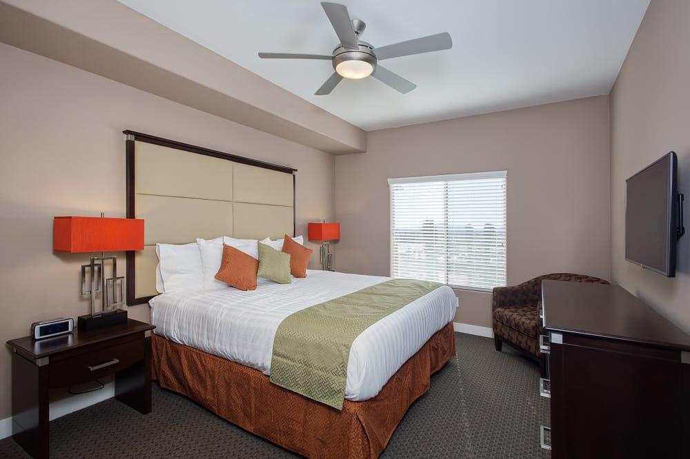 Hotels Near  E Deer Valley Dr Phoenix Az