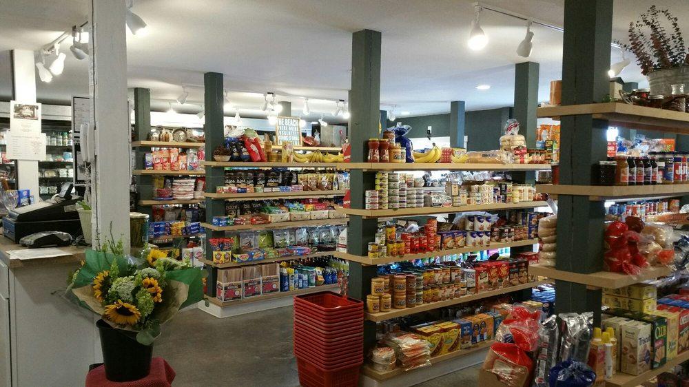 Copalis Beach Grocery: 3090 State Rte 109, Copalis Beach, WA