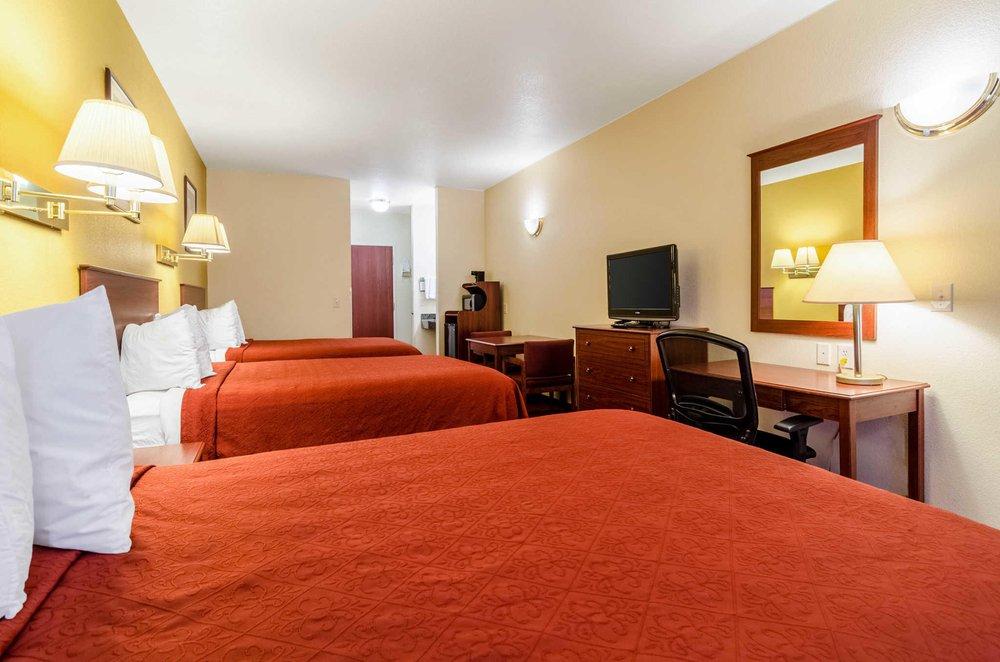 Quality Inn & Suites: 792 Beaumont, Park City, KS