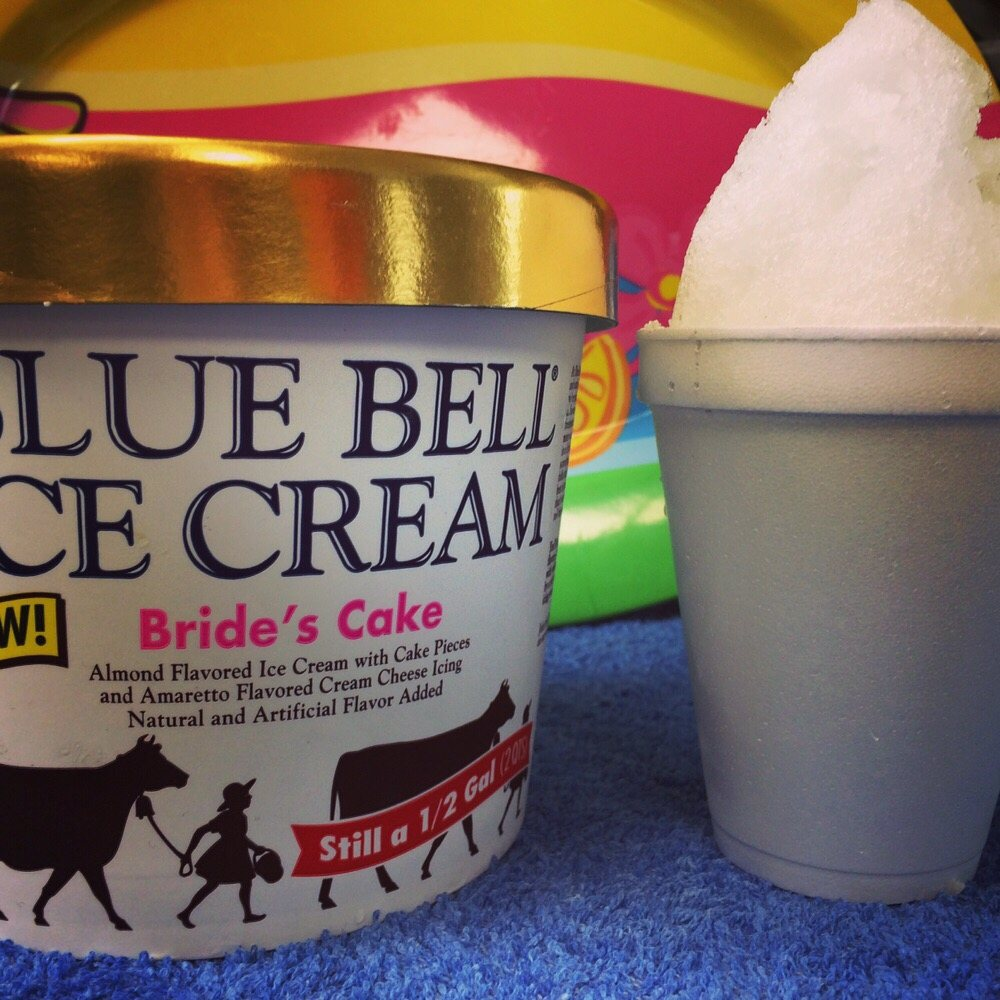blue bell wedding cake ice cream our wedding cake snowball stuffed with blue bell s 11974