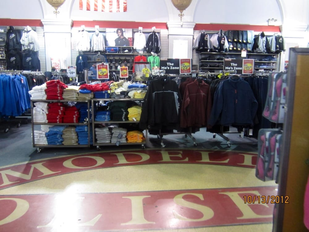 Modell's Sporting Goods: 531 86th St, Brooklyn, NY