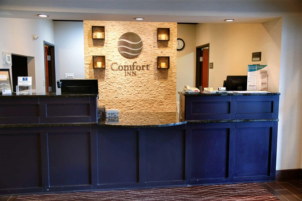 Comfort Inn & Suites: 1630 West St South, Grinnell, IA