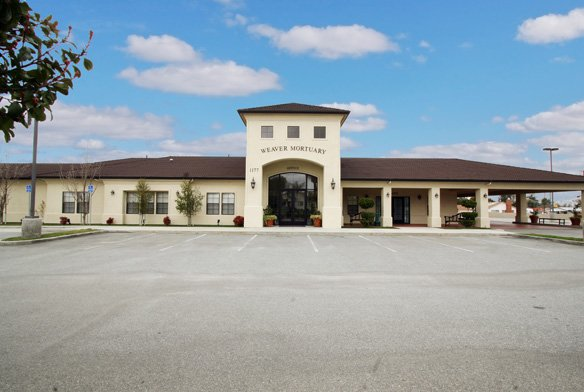 Weaver Mortuary and Crematory: 1177 Beaumont Ave, Beaumont, CA