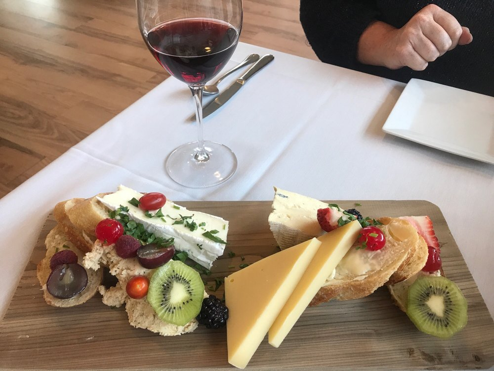 Taste of Paris: 109 N 4th St, Hamilton, MT