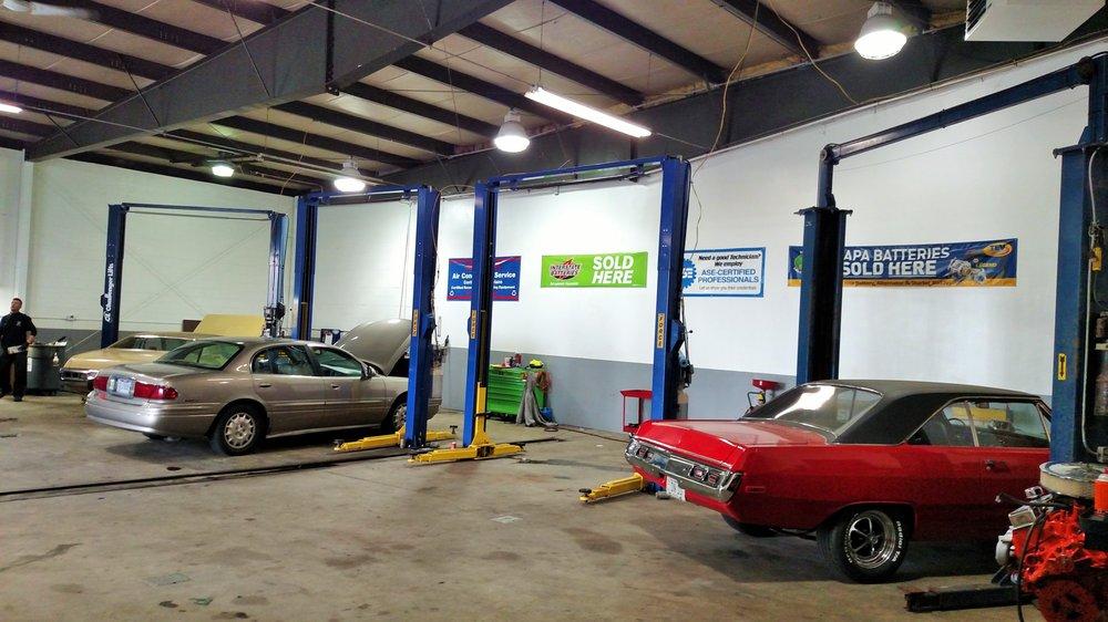 B.G. Towing & Repair: 417 E Sandusky St, Findlay, OH