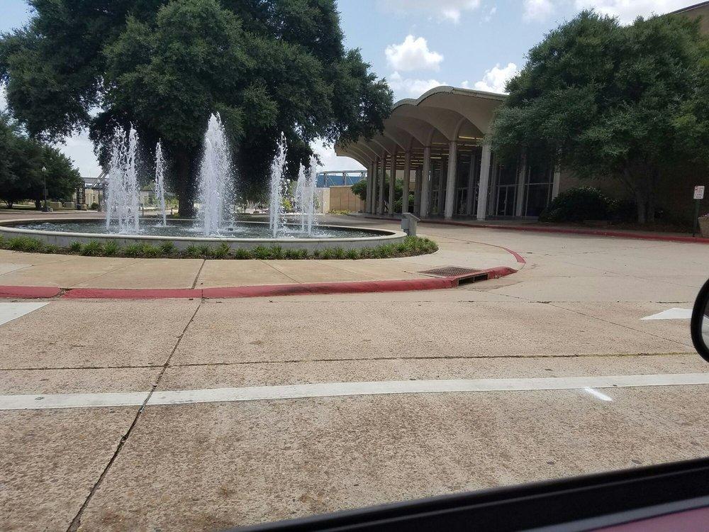 Downtown Water Fountain: Downtown, Shreveport, LA