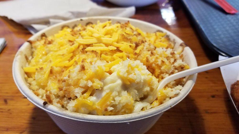 Food from Mo'Bowls