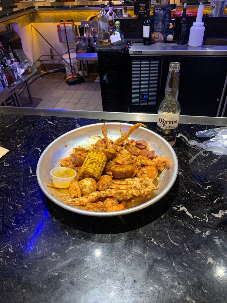 Seafood Party Lawton: 7401 NW Cache Rd, Lawton, OK
