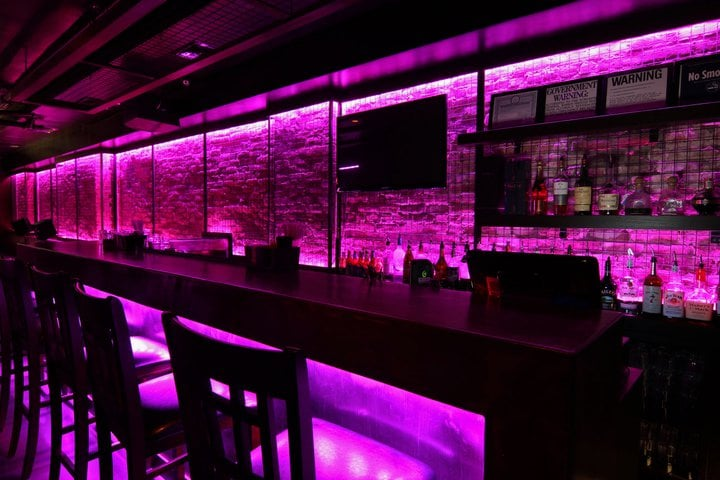 Queen's Cabinet Bar & Lounge: 23 W 32nd St, New York, NY