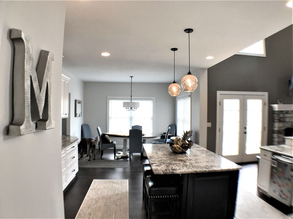 Absolute Custom Design Center: 654 E Middletown Rd, North Lima, OH