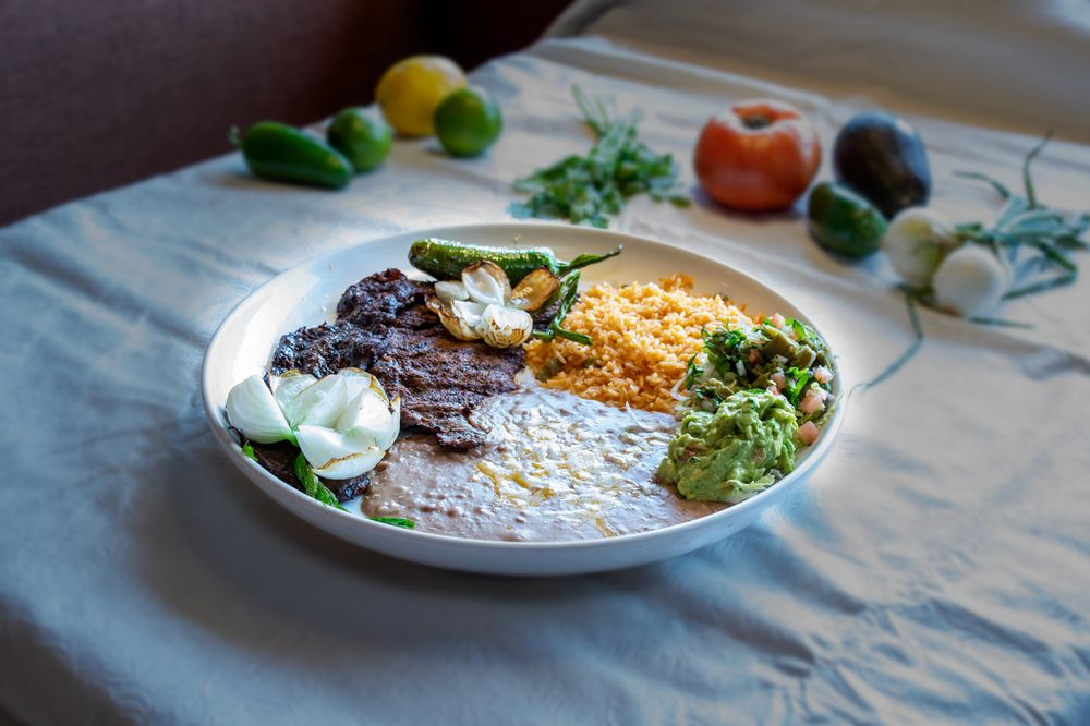 Los 2 Agaves: 102 N Ivy St, Canby, OR