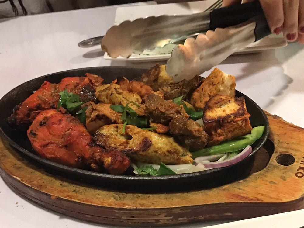 Kismat Indian Cuisine: 15099 Hesperian Blvd, San Leandro, CA
