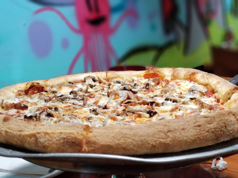 Mamas Pizza & Grill: 9550 Baymeadows Rd, Jacksonville, FL