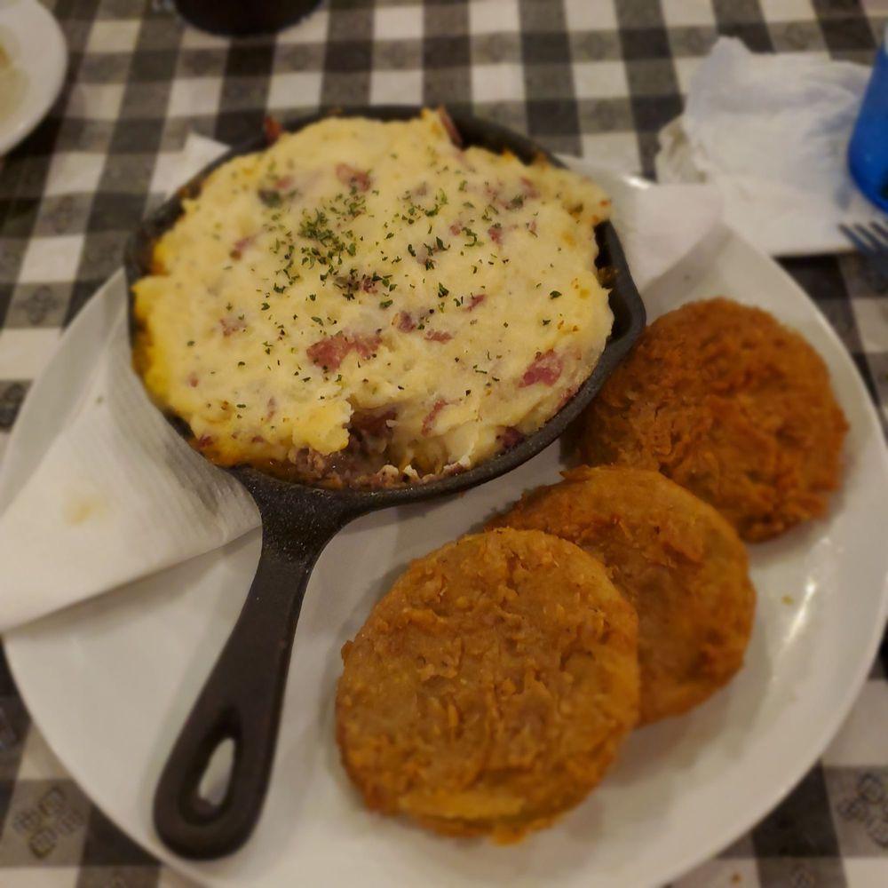 Mama-N-Ems Southern Kitchen: 2754 GA-100 S, Tallapoosa, GA