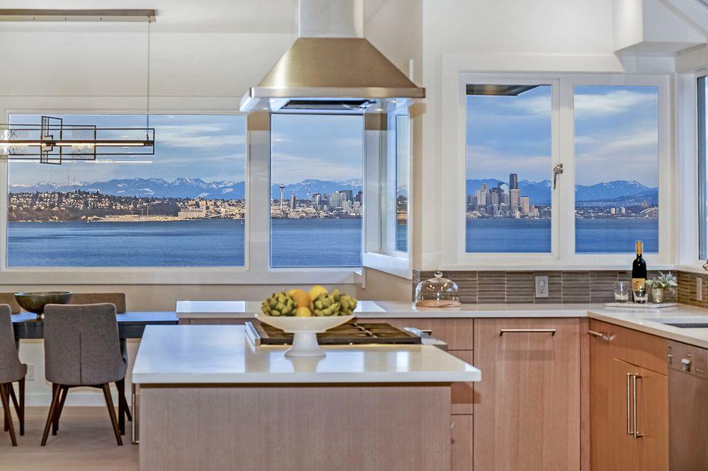 Julie Meyers-Bainbridge Homes Real Estate: 166 Winslow Way E, Bainbridge Island, WA