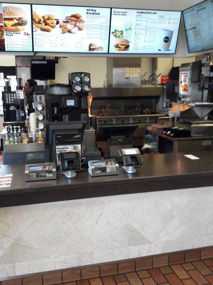 McDonald's: 895 SW Rimrock Way, Redmond, OR
