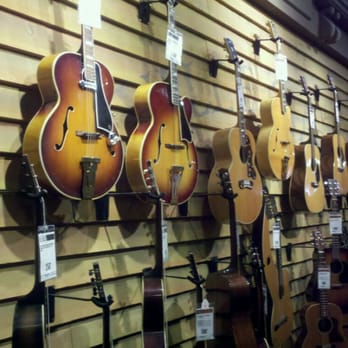 hollywood vintage collection guitar center guitar stores hollywood hills west los. Black Bedroom Furniture Sets. Home Design Ideas
