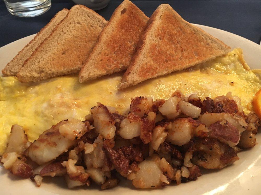 Sunny Hills American Grill: 79 Main St, Warrenton, VA
