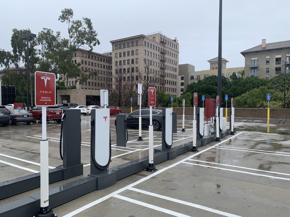 tesla supercharger: 117 W Colorado Blvd, Pasadena, CA