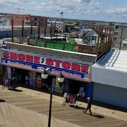 5faeaf098 Foto de Shore Store - Seaside Heights, NJ, Estados Unidos. Looking at the